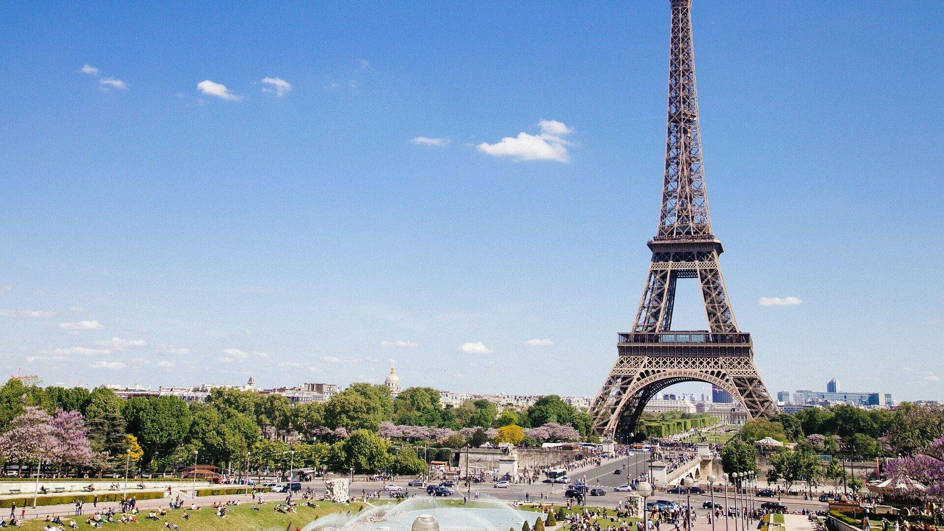 Der Eiffelturm in Paris (Symbolbild) - SNA, 1920, 23.09.2021