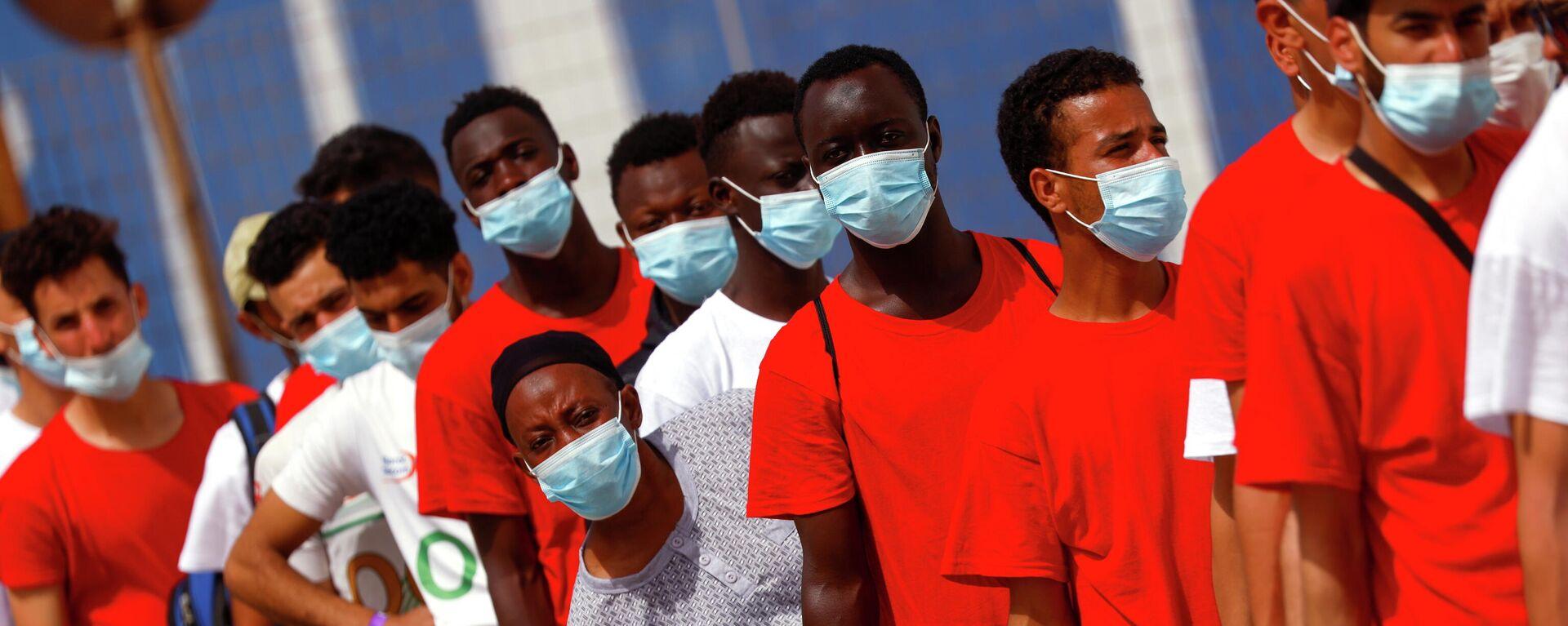 Migranten treffen auf Lampedusa ein - SNA, 1920, 17.07.2021