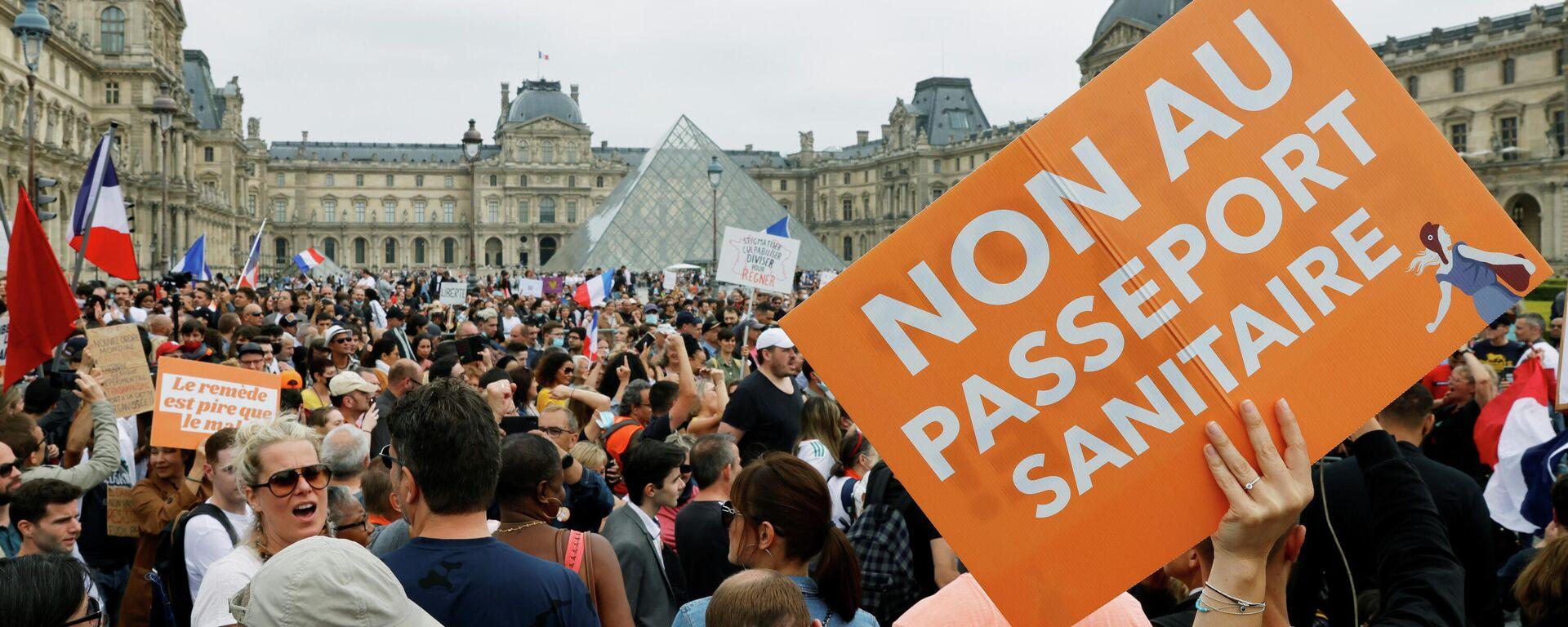 Demo gegen Gesundheitspässe und Impfpflicht in Paris (Archivbild) - SNA, 1920, 25.07.2021