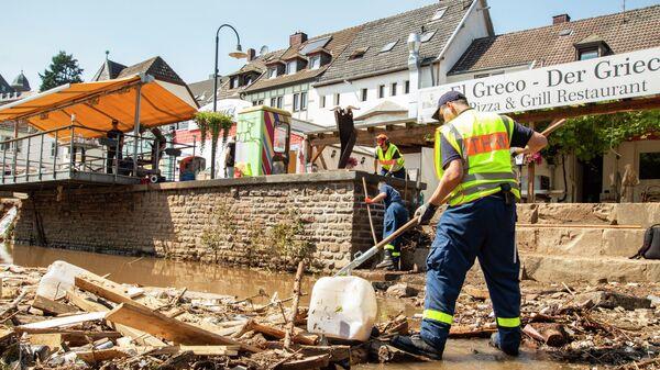 THW-Kräfte bei Aufräumarbeiten in den Katastrophengebieten, Juli 2021 - SNA