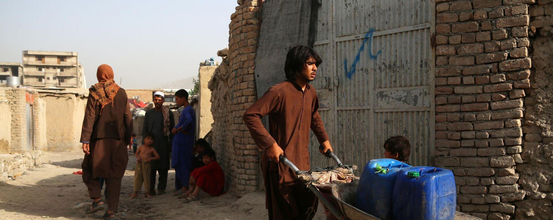 Menschen auf einer Straße in Kabul - SNA, 1920, 26.07.2021