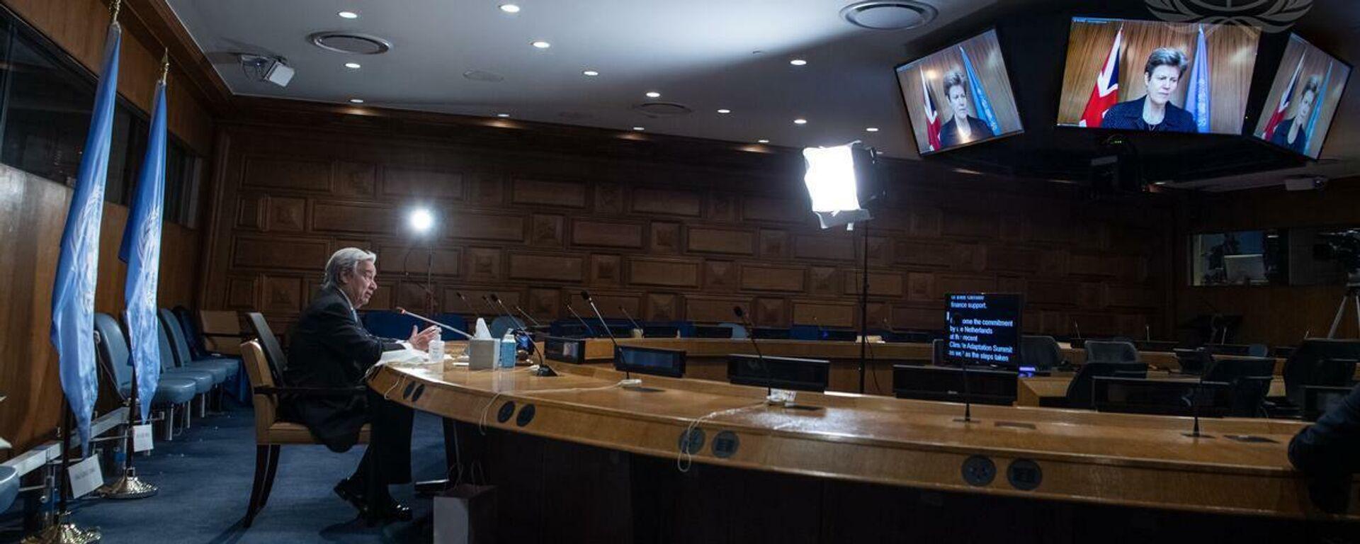 Generalsekretär António Guterres (links) bei einem virtuellen Briefing, über die Vorbereitungen der COP26 in Glasgow - SNA, 1920, 30.07.2021