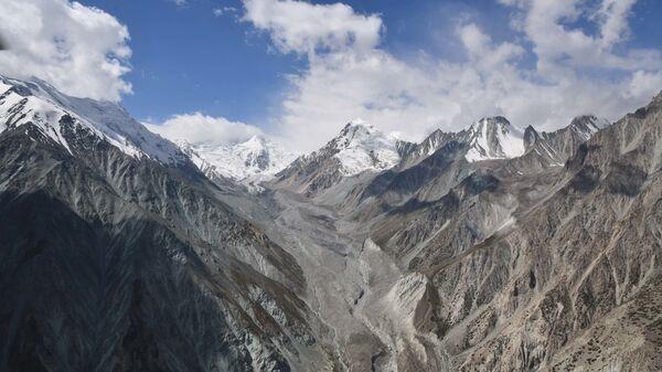 Горы с высоты в Таджикистане - SNA