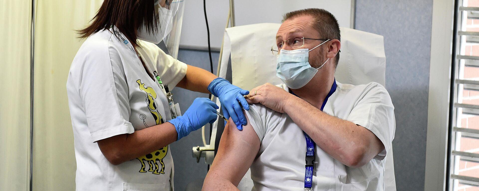 Eine Impfung mit Corona-Vakzin reicht in Italien, um den so genannten Grünen Pass zu bekommen (Archiv) - SNA, 1920, 05.08.2021