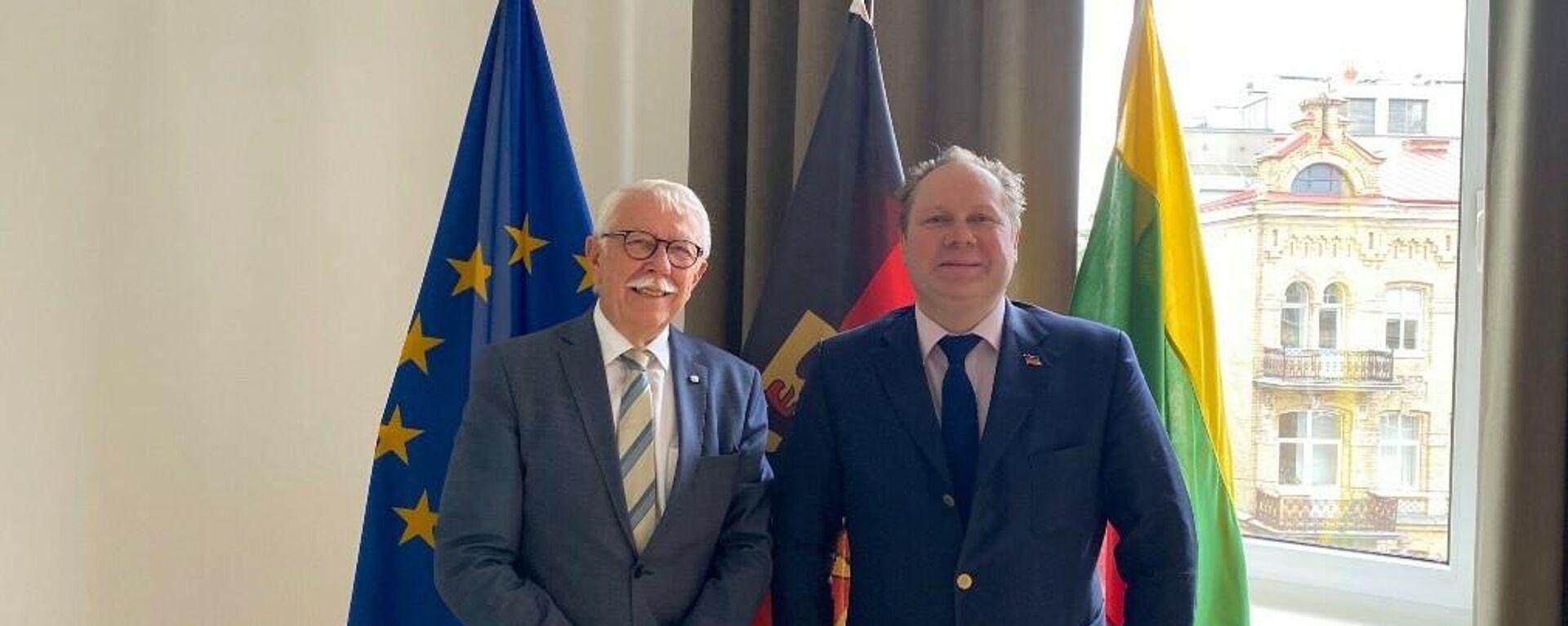 Die AfD-Bundestagsabgeordneten Paul Podolay (links) und Siegbert Droese bei einem Besuch in Litauen - SNA, 1920, 14.08.2021