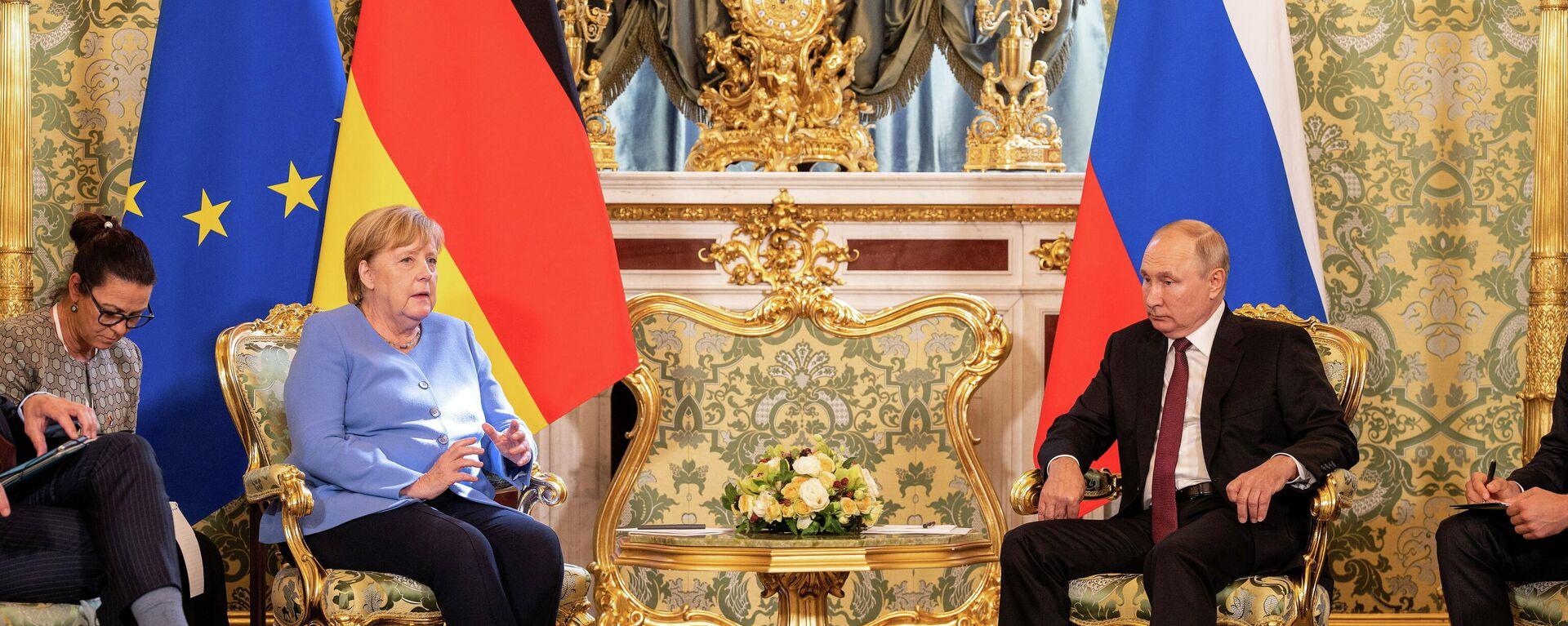 Treffen vom russischen Präsidenten Wladimir Putin und der Bundeskanzlerin Angela Merkel am 20. August, 2021 - SNA, 1920, 20.08.2021