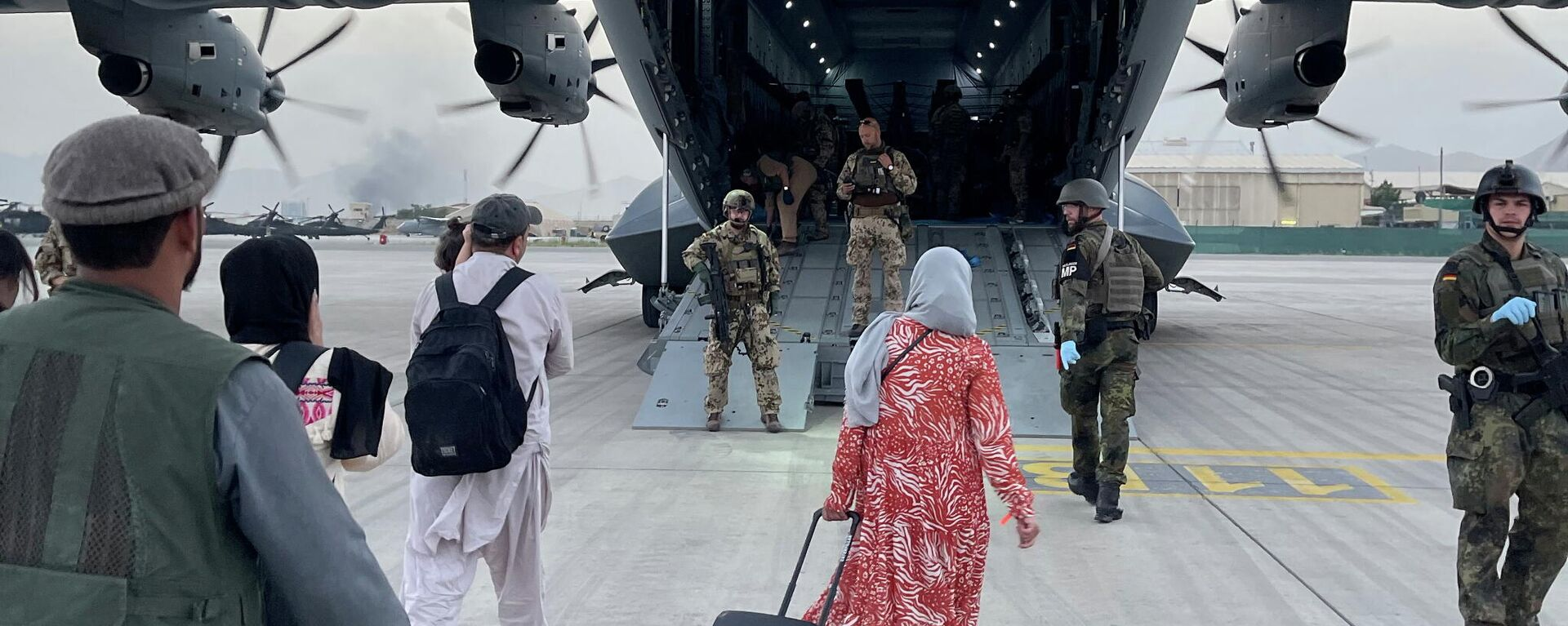 Bundeswehr fliegt Schutzbedürftige aus Kabul aus - SNA, 1920, 21.08.2021