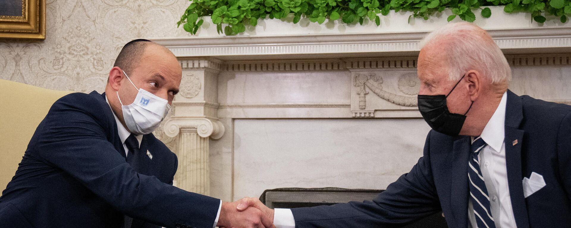 Israels Premier Naftali Bennett und US-Präsident Joe Biden im Weißen Haus - SNA, 1920, 27.08.2021