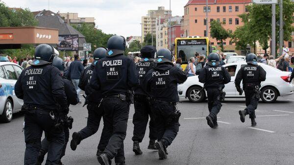 Die deutsche Polizei in Berlin - SNA