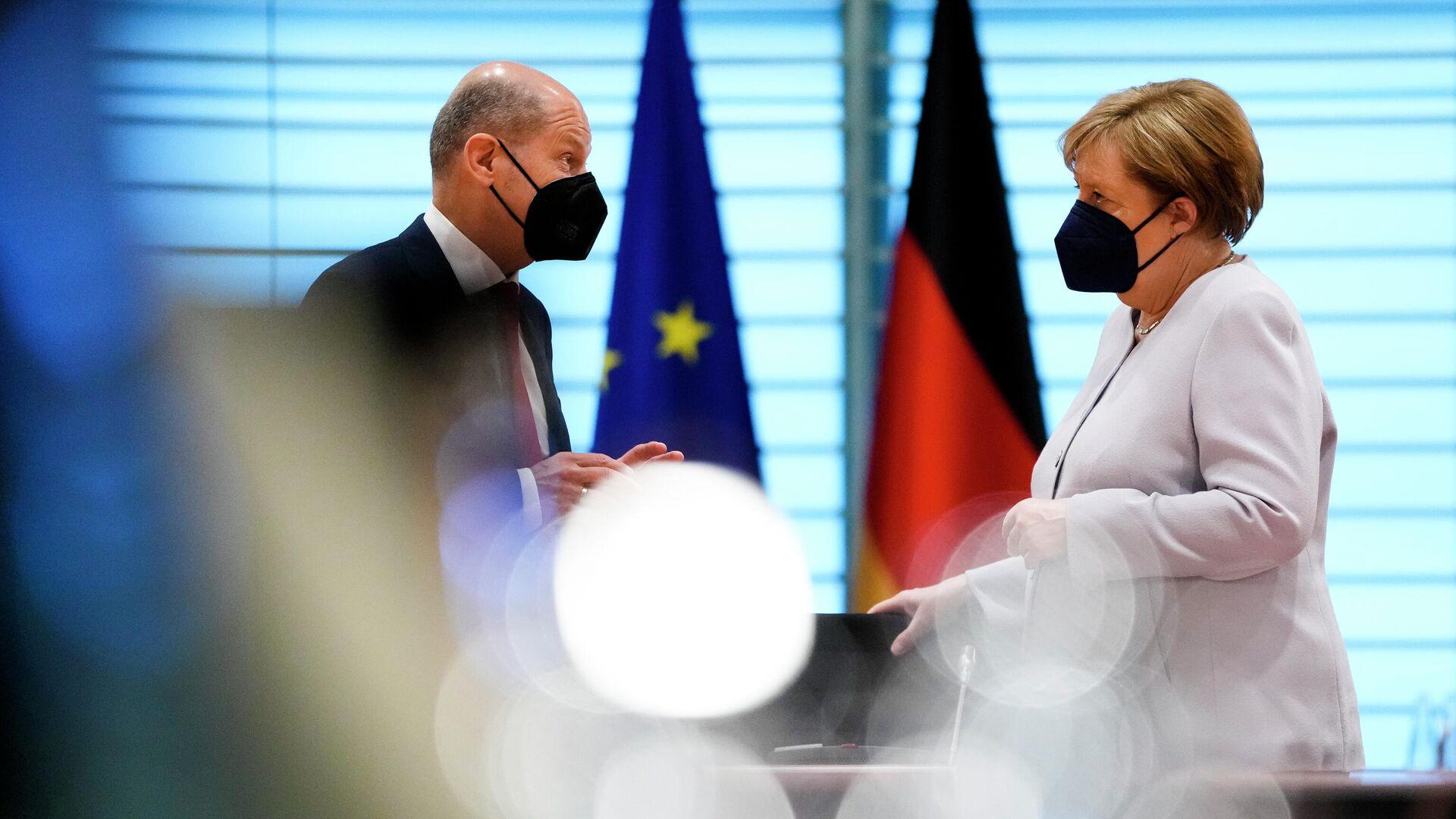 SPD-Kanzlerkandidat Olaf Scholz und Kanzlerin Angela Merkel - SNA, 1920, 29.09.2021