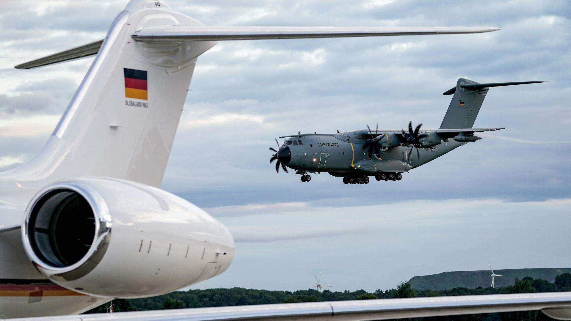 Ein Airbus A400M der Bundeswehr kommt am 27. August 2021 am Flughafen in Wunstorf an, am Ende einer militärischen Evakuierungsoperation, die darau gezielt war, die deutschen Staatsangehörigen, Ortskräfte und andere gefährdete Personen aus Kabul, Afghanistan, auszufliegen. - SNA, 1920, 03.09.2021