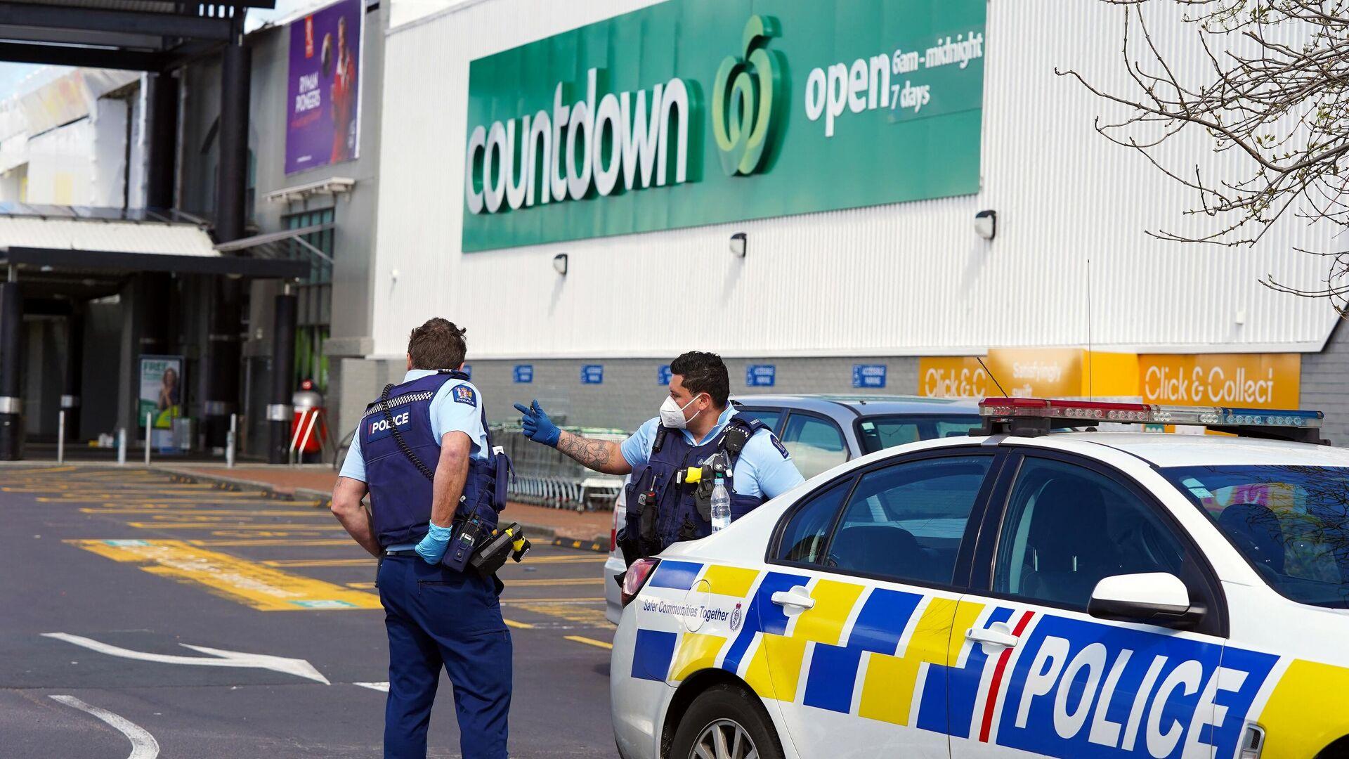 Die Polizei hält Wache vor dem Countdown-Supermarkt in der Lynn Mall in Auckland am 4. September 2021 - SNA, 1920, 04.09.2021