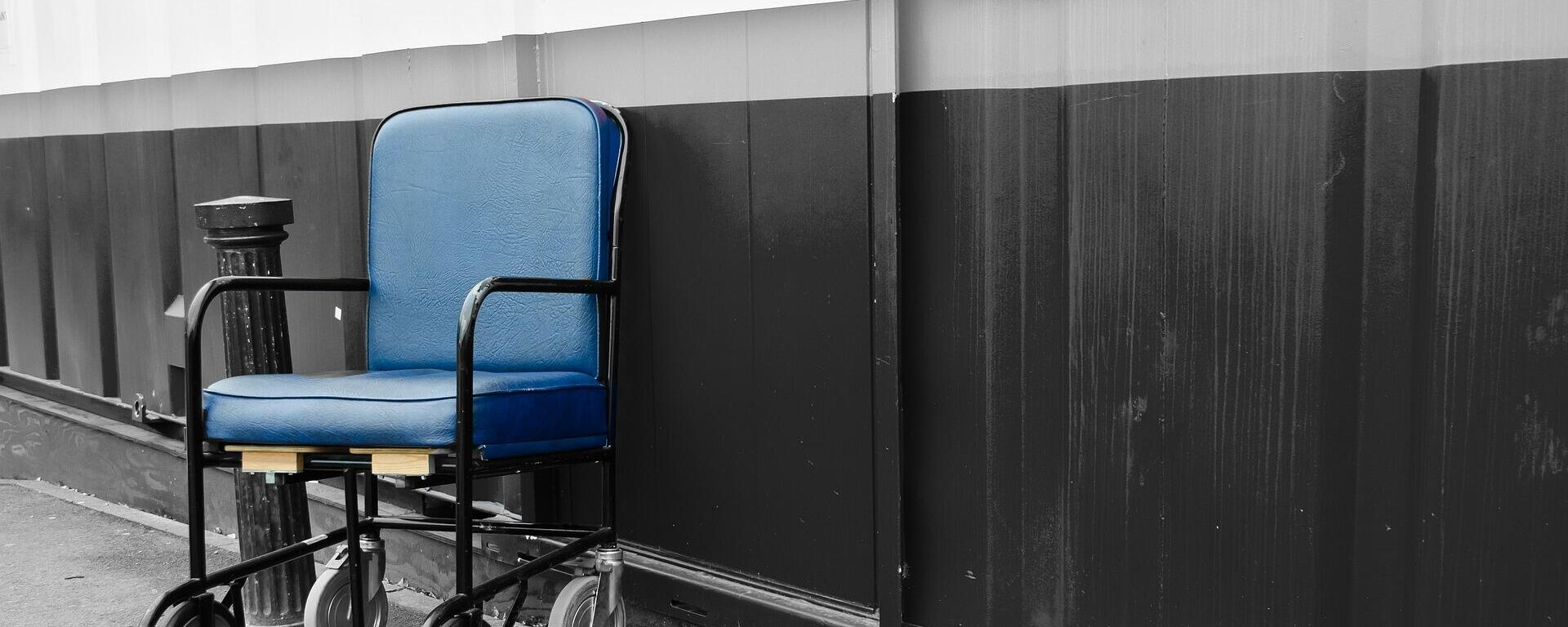Rollstuhl (Symbolbild) - SNA, 1920, 05.09.2021