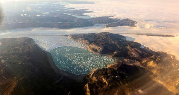 Schmelzender Gletscher an der grönländischen Westküste nahe Nuuk. - SNA