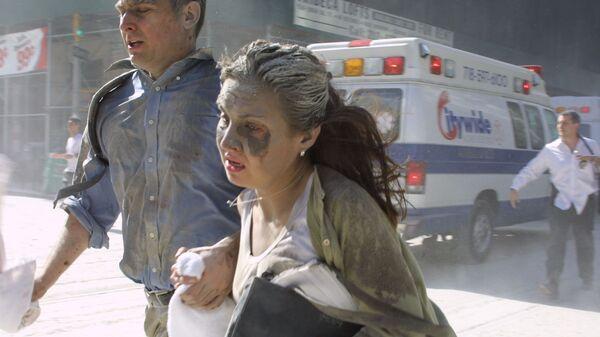 Люди убегают во время теракта в Нью-Йорке  - SNA