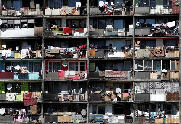 Balkone in Lunik 9, einem Stadtviertel der slowakischen Stadt Kosice, in dem vorwiegend Sinti und Roma leben. - SNA