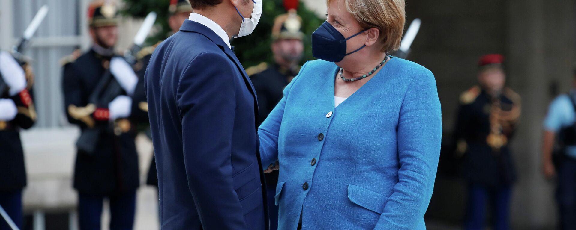 Die deutsche Bundeskanzlerin Angela Merkel und der französische Präsident Emmanuel Macron bei ihrem Treffen in Paris am 16. 09. 2021 - SNA, 1920, 16.09.2021