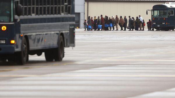 Эвакуированные из Афганистана на американской авиабазе Рамштайн в Германии  - SNA
