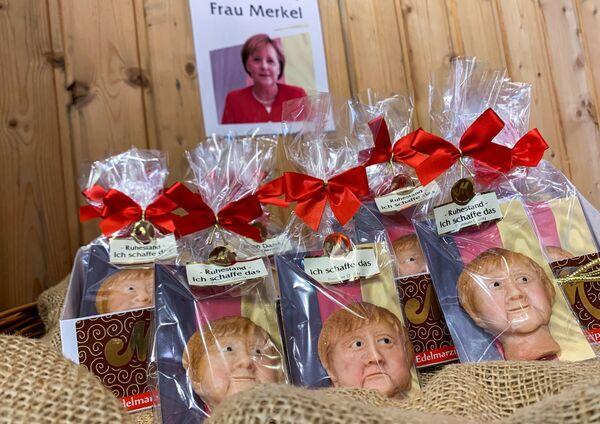 Merkel-Marzipanfiguren in Weilbach im Vorfeld der Bundestagswahl. - SNA