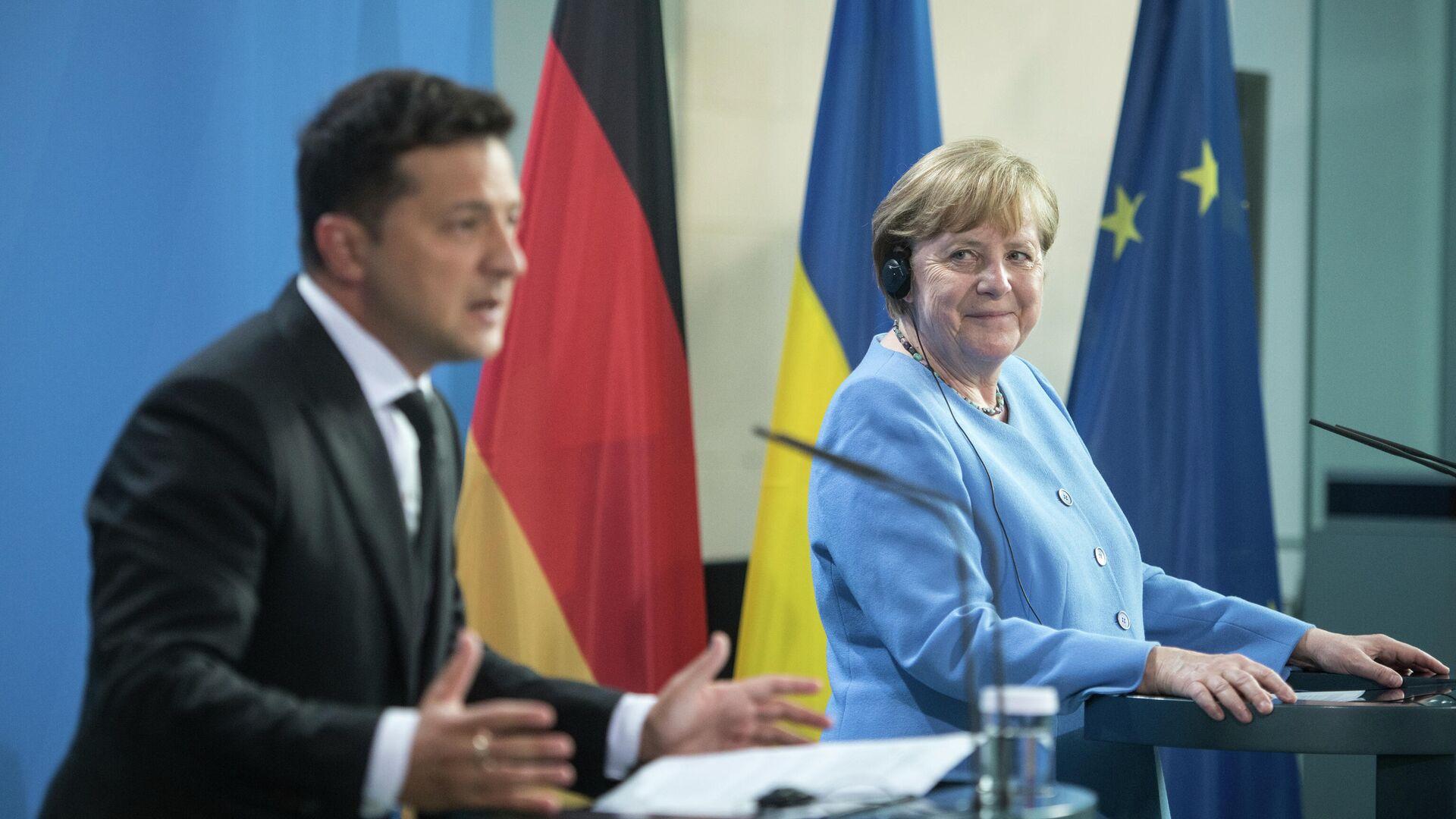 Der ukrainische Präsident Wladimir Selenski und Bundeskanzlerin Angela Merkel. Berlin, 12. Juli 2021 - SNA, 1920, 17.09.2021