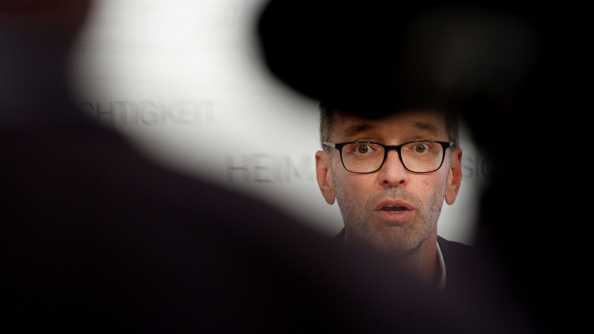 Der Vorsitzende der Freiheitlichen Partei Österreichs (FPÖ) Herbert Kickl nimmt am 9. September 2021 in Wien an einer Pressekonferenz im Rahmen der anhaltenden Ausbreitung der Coronavirus-Krankheit (COVID-19) teil.  - SNA, 1920, 21.09.2021