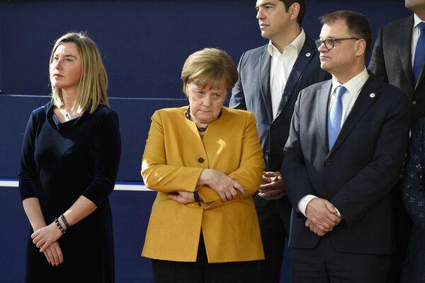 Angela Merkel legte eine steile Karriere in der Politik hin – 1993 wurde sie CDU-Landesvorsitzende von Mecklenburg-Vorpommern, 1994 Bundesumweltministerin, 1998 CDU-Generalsekretärin, 2000 schließlich CDU-Vorsitzende.Foto: Angela Merkel auf einem EU-Gipfel zum Brexit in Brüssel, 2019. - SNA