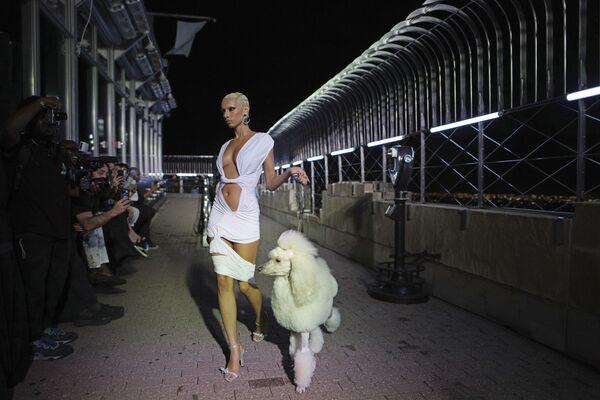 Vorführung der Kollektion von LaQuan Smith auf dem Empire State Building während der New Yorker Modewoche. - SNA