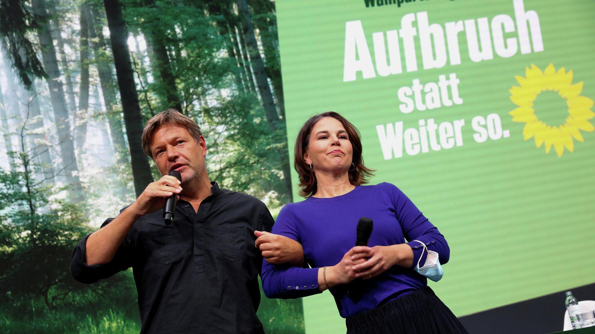 Grünen-Kanzlerkandidatin Annalena Baerbock und Grünen-Chef Robert Habeck - SNA, 1920, 24.09.2021