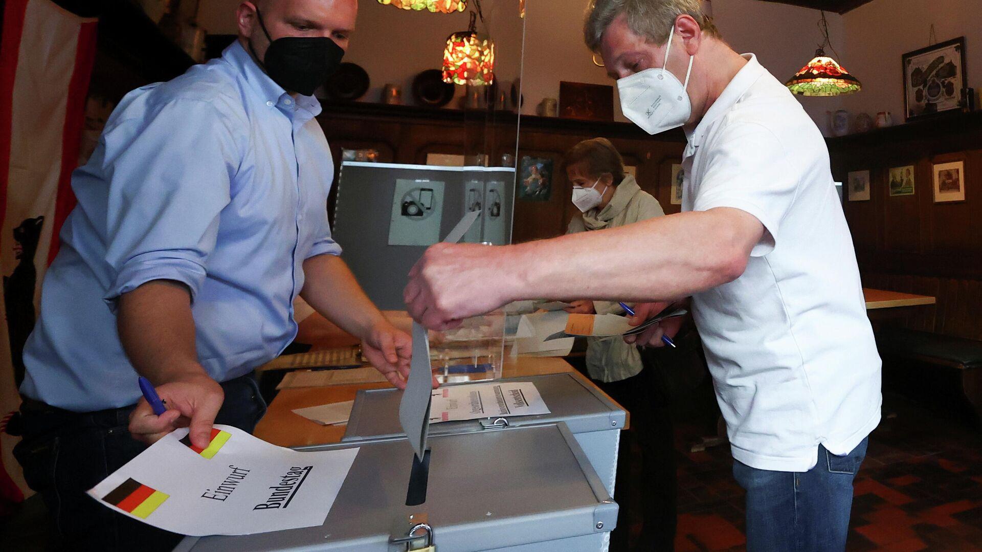 Gang an die Wahlurne in Berlin - SNA, 1920, 26.09.2021