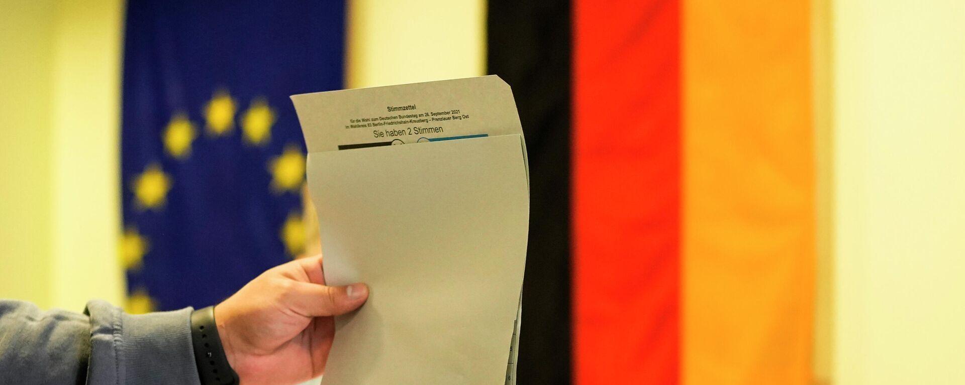 Stimmabgabe bei der Budnestagswahl 2021 - SNA, 1920, 26.09.2021