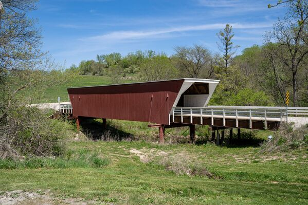 """Überdachte Brücke im Bundesstaat Iowa – eine der Brücken aus dem Film """"Die Brücken am Fluß"""". - SNA"""