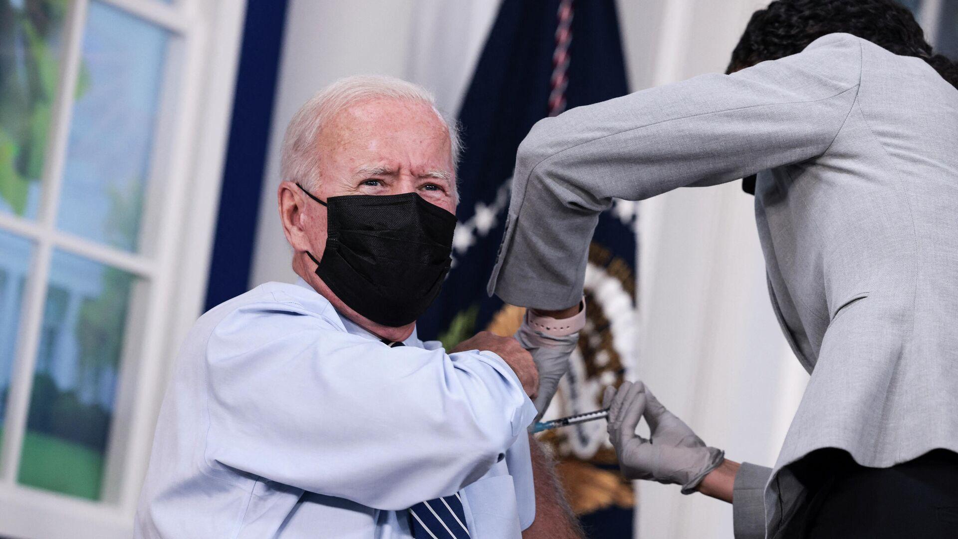 US-Präsident Joe Biden erhält Corona-Booster-Impfung - SNA, 1920, 27.09.2021