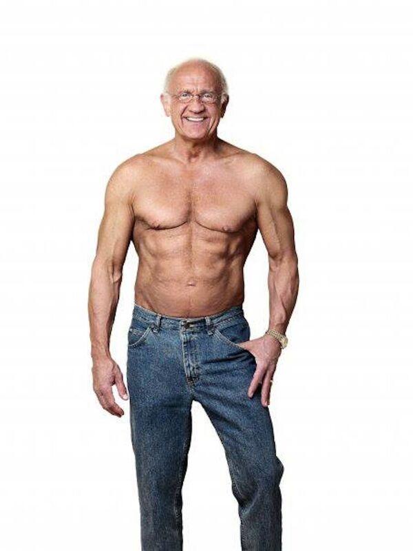 """Der 59-jährige Jeffry Life aus New York war so dick, dass er nicht einmal seine Schnürsenkel zubinden konnte. Als er sich aber einmal im Spiegel sah, entschied er sich für einen kardinalen Lebenswandel. Die Ergebnisse ließen nicht lange auf sich warten. 2012 wurde der damals inzwischen schon 74-jährige Dr. Life  vom """"Men's Fitness Magazine"""" auf die Liste der """"25 Most Fit Guys Worldwide"""" gesetzt. - SNA"""