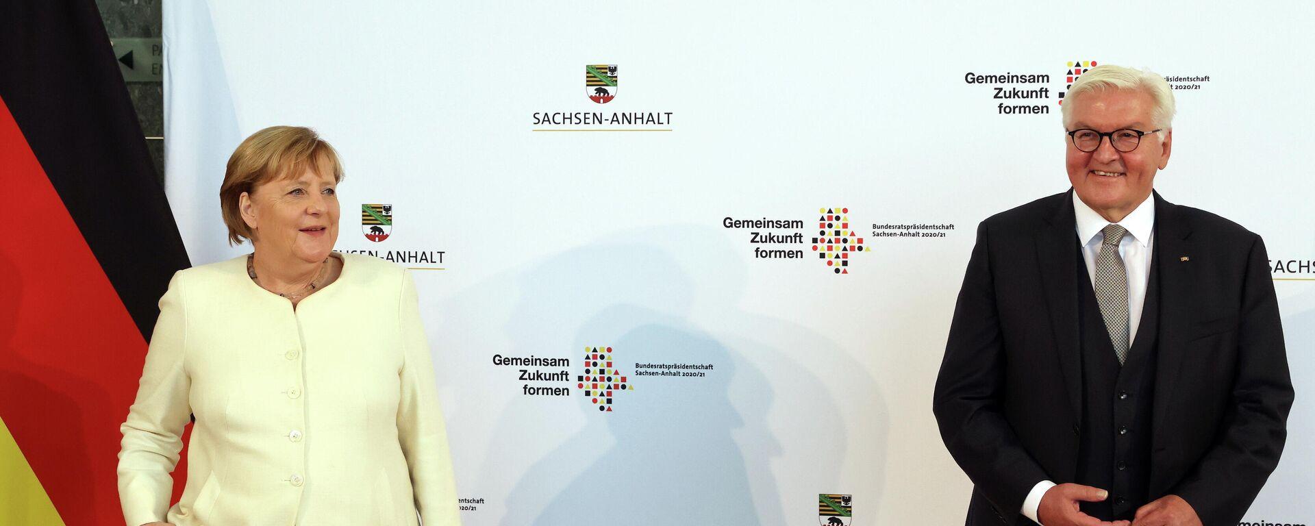 Merkel und Steinmeier bei Einheitsfeier in Halle am 3. Oktober 2021 - SNA, 1920, 03.10.2021