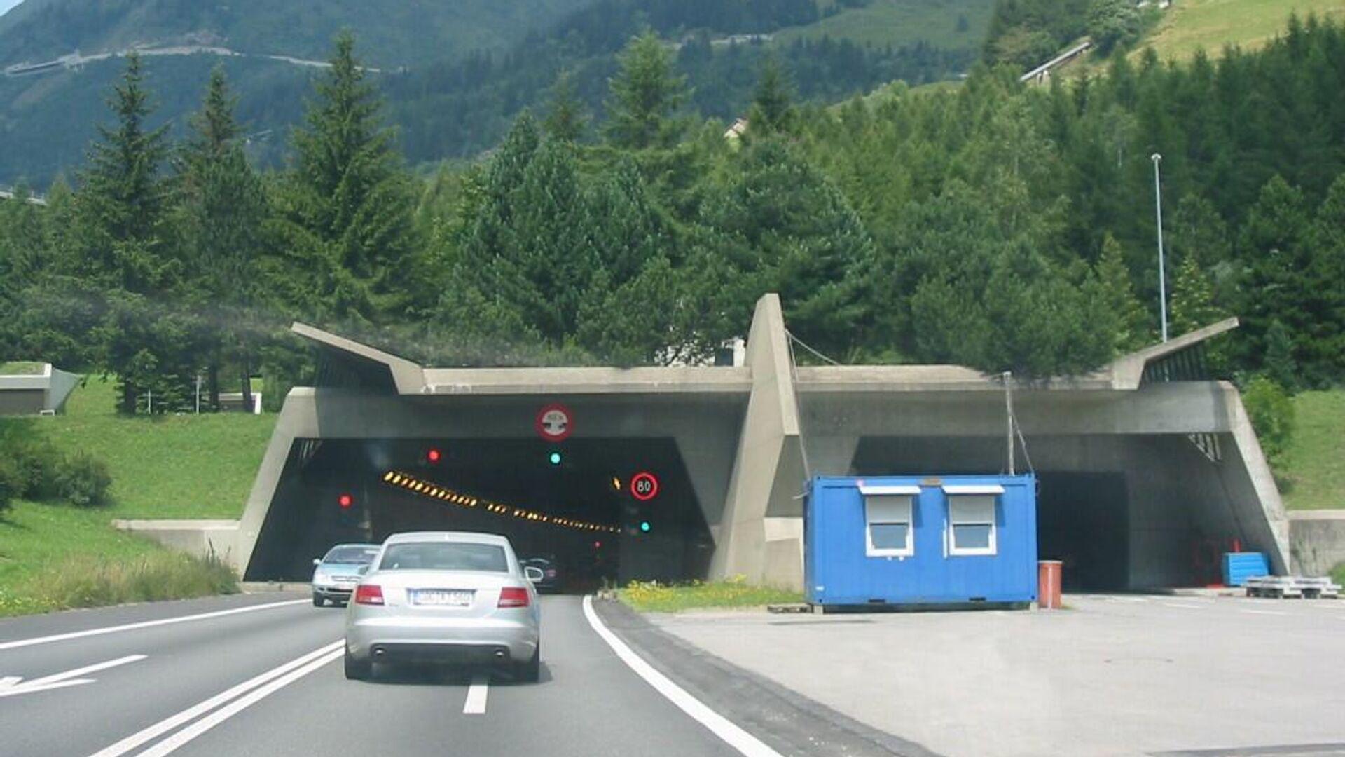 Tunnelportal des Sankt-Gotthard-Tunnels (Schweiz) auf der Südseite (Airolo) - SNA, 1920, 07.10.2021