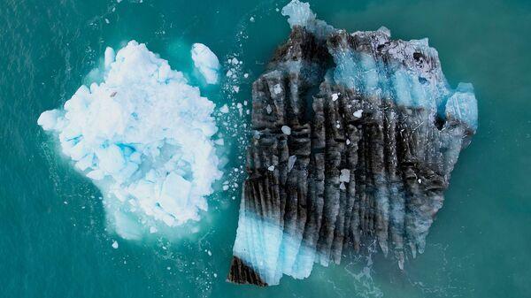 Лед перед ледником Экип Сермия в Гренландии - SNA