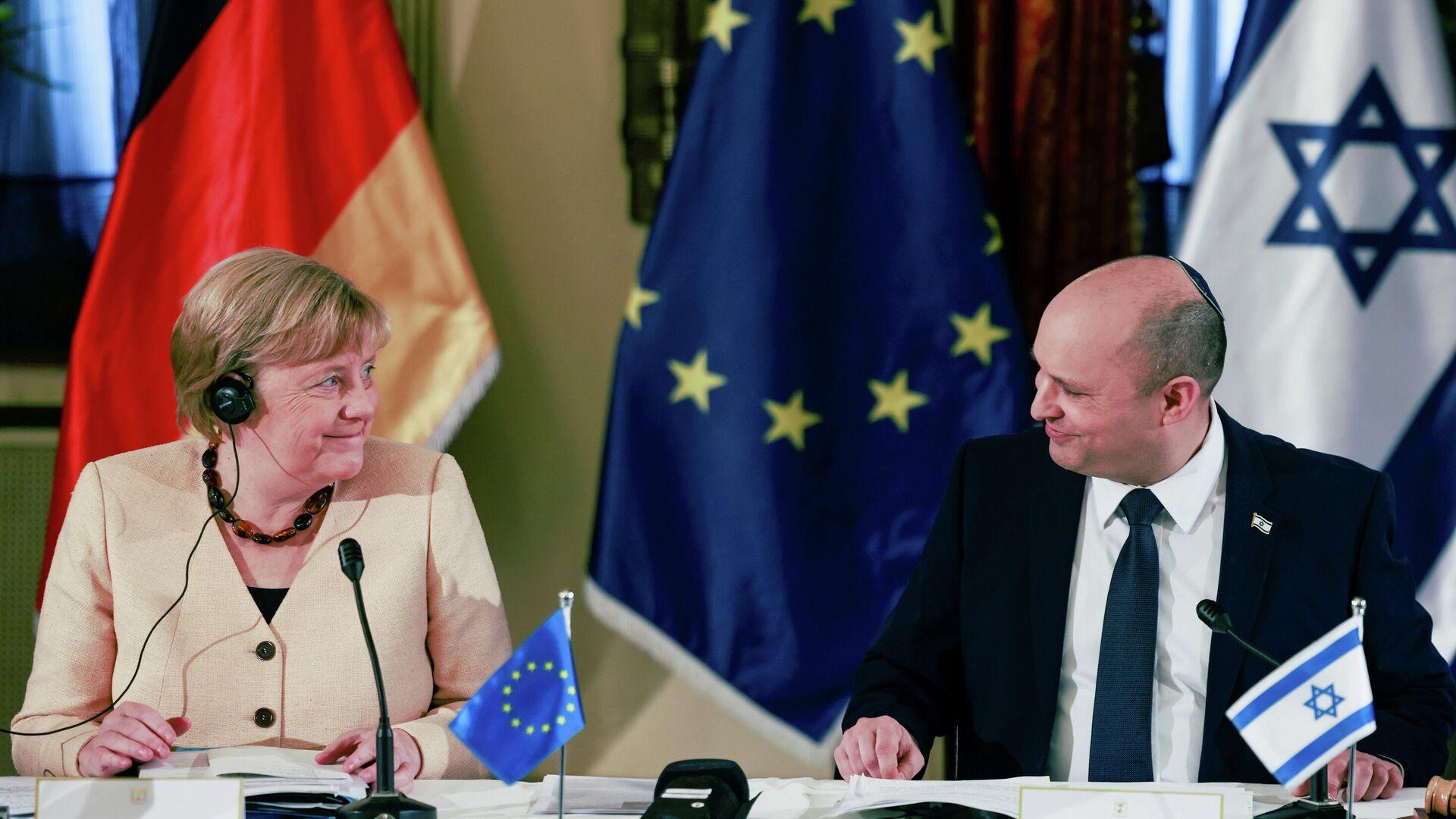 Angela Merkel (l.) zu Gast bei Israels Regierungschef Naftali Bennett  - SNA, 1920, 10.10.2021