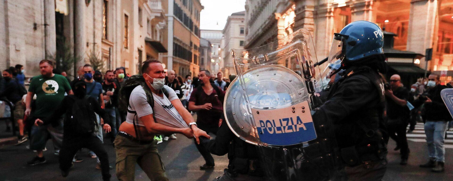 Proteste gegen Corona-Maßnahmen in Rom: Zusammenstößemit der Polizei - SNA, 1920, 10.10.2021