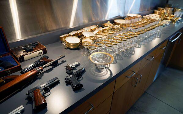Insgesamt waren unter den auf der Auktion präsentierten Waffen Al Capones und seiner Komplizen Dutzende Gewehre, Revolver, Selbstladegewehre und Stichwaffen. - SNA