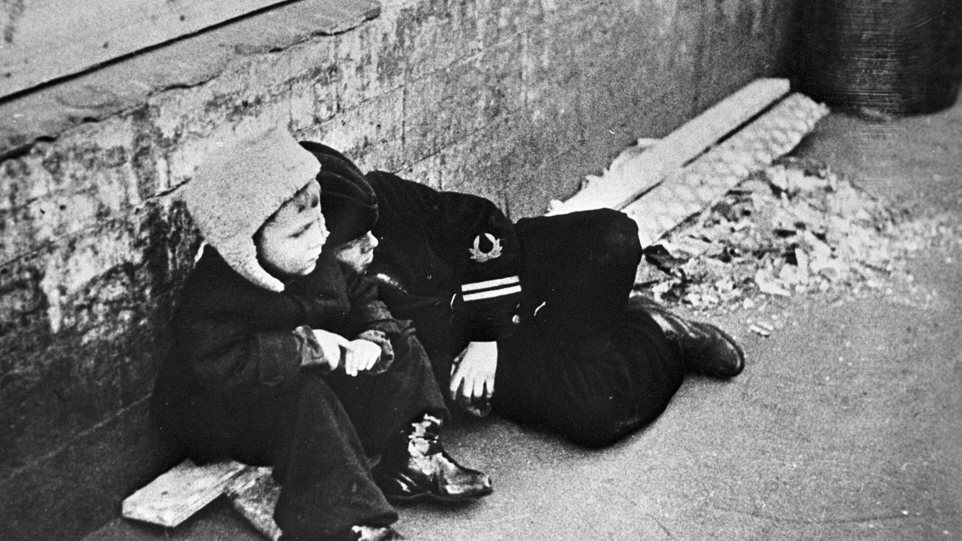 Kinder im belagerten Leningrad am 30. September 1942 - SNA, 1920, 11.10.2021