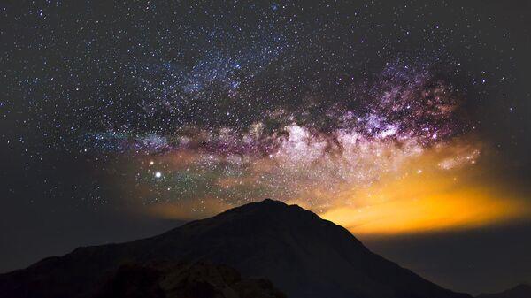 Млечный путь над горой Хэхуань в центральном Тайване - SNA