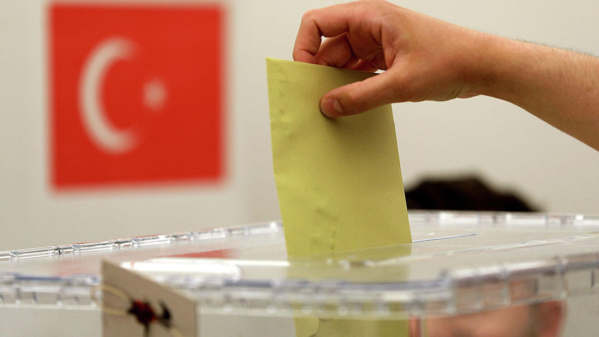 Abstimmung bei einem Wahllokal (Symbolbild) - SNA, 1920, 12.10.2021